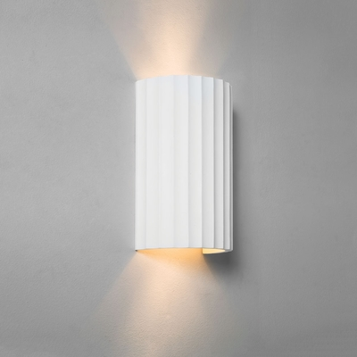 Groove White Plaster Curved Wall Light
