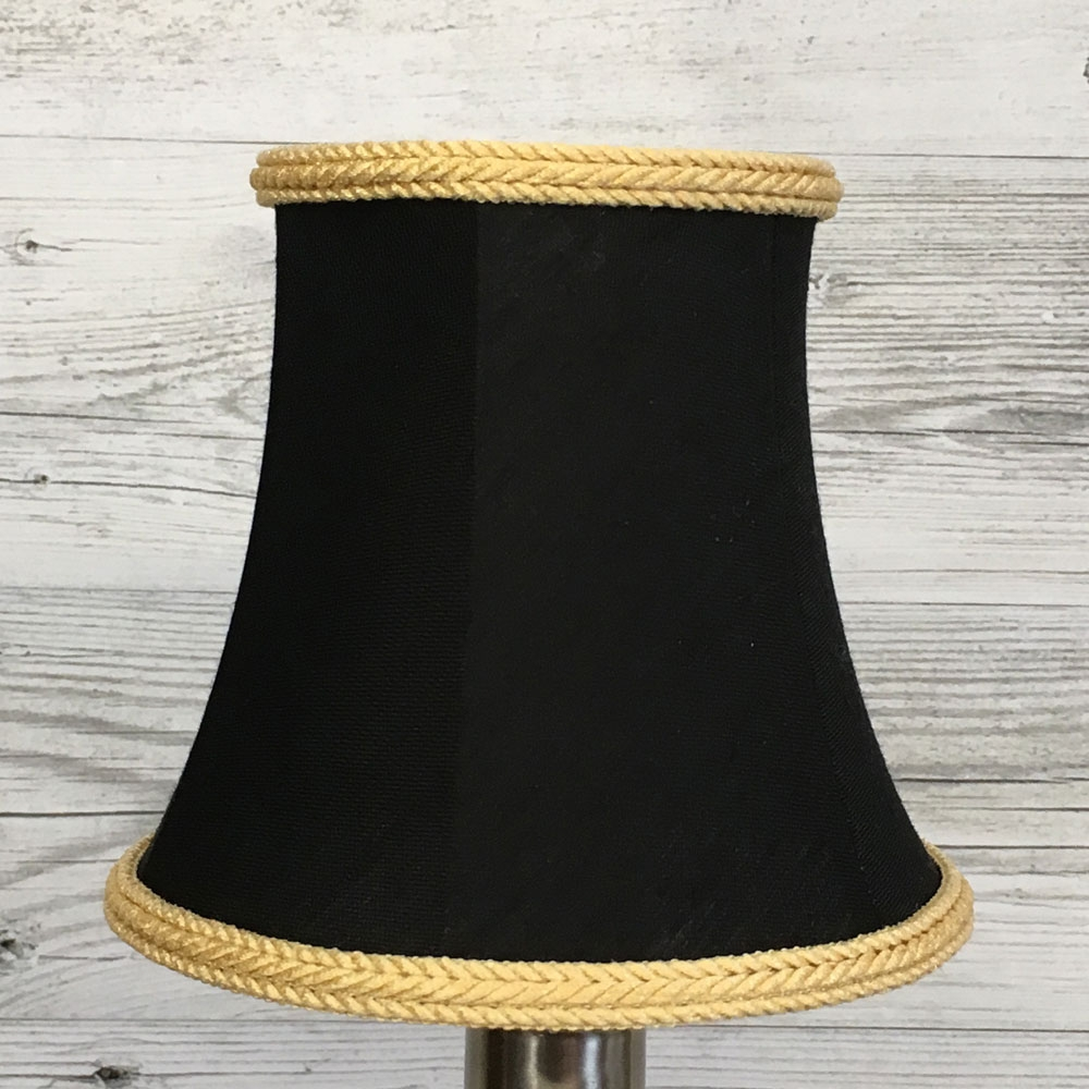 Bowed Empire Candle Black & Gold