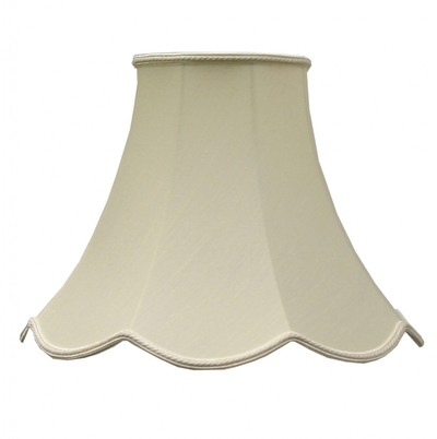 Scalloped Bowed Candle Cream Dupion