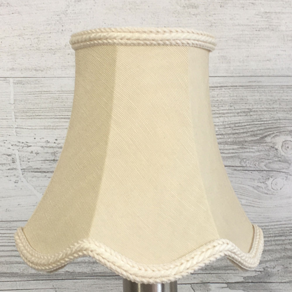 Scalloped Bowed Candle Oyster Moire