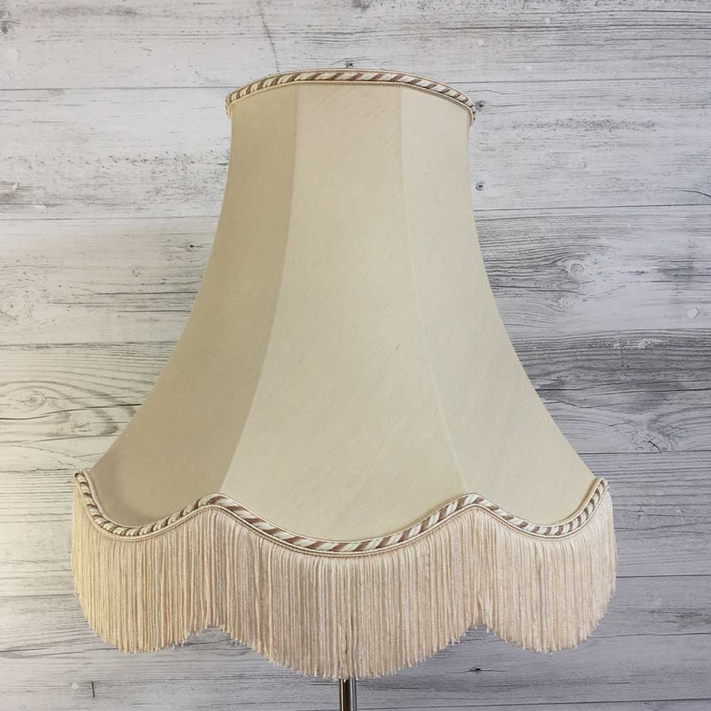 Scalloped Bowed Empire With Fringe